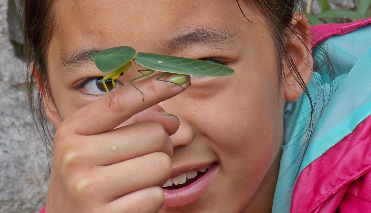 Student.with-leaf-mantis.Pocosol.April.2014.JPG