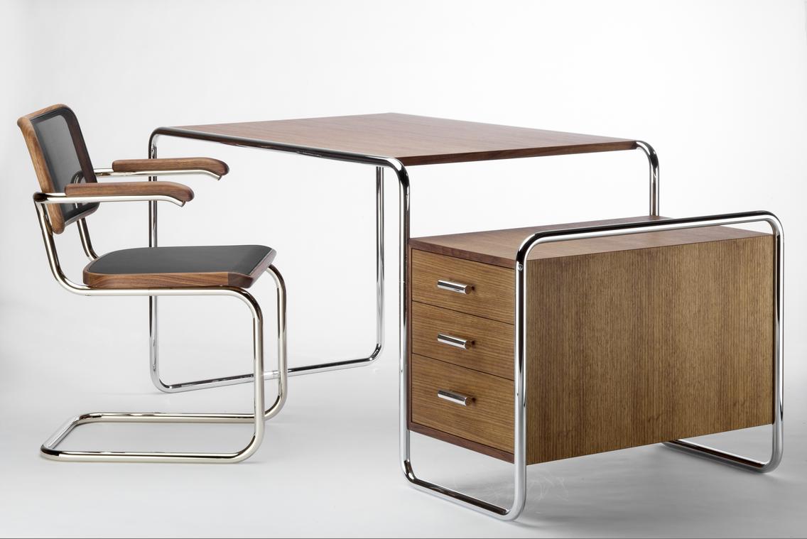 Range S 285 Desk