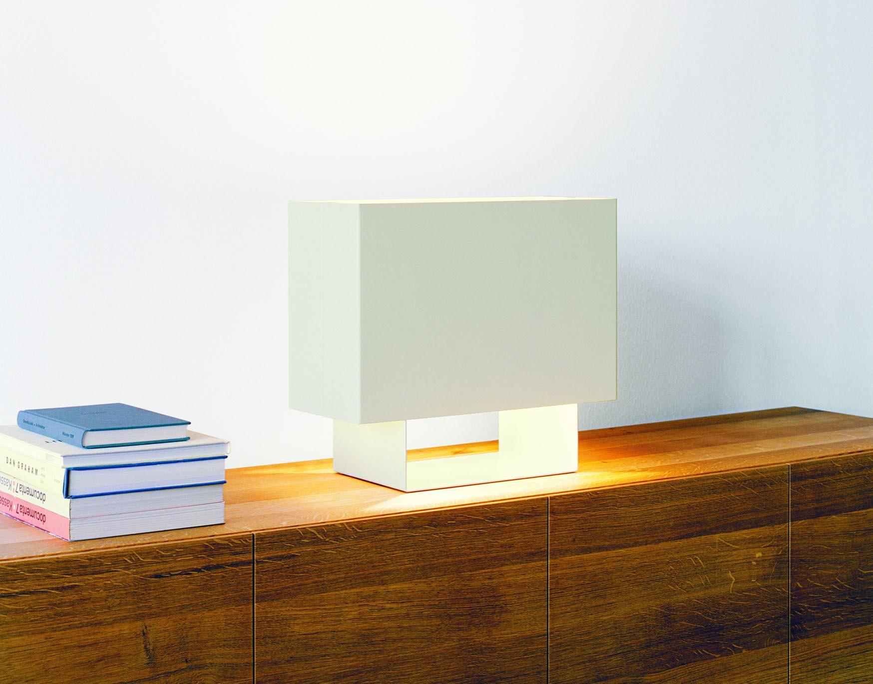 e15 Seam One Table Lamp