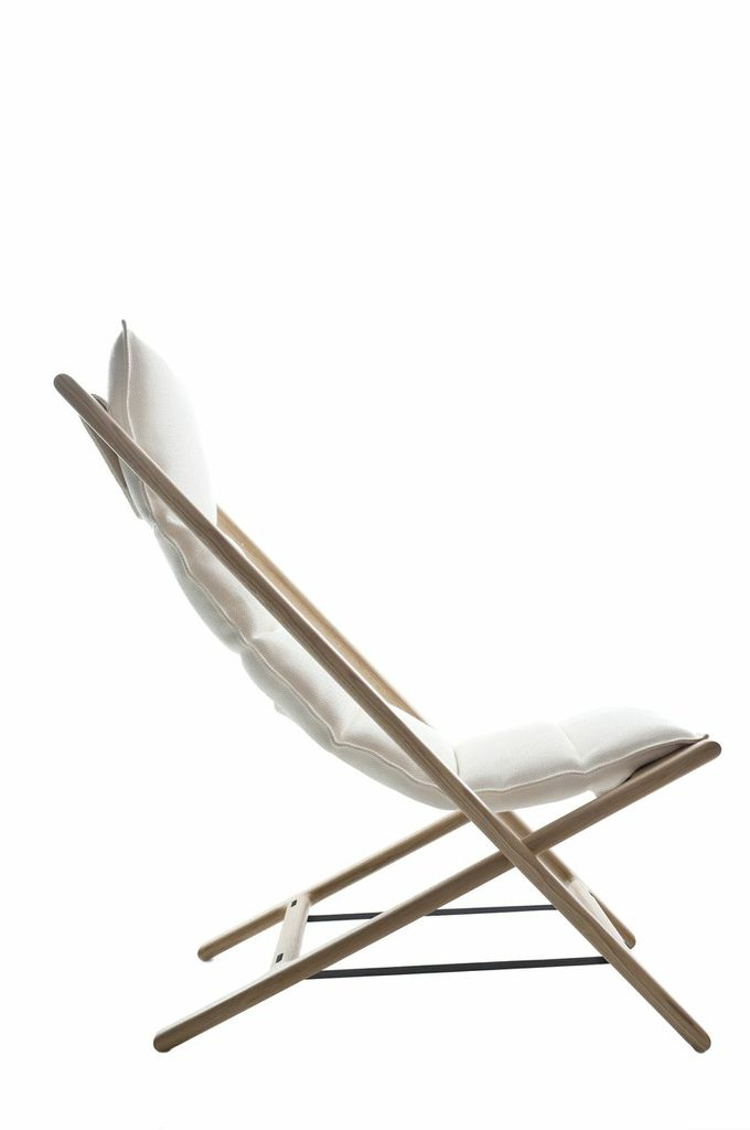Woodnotes Arenzano Lounge Chair