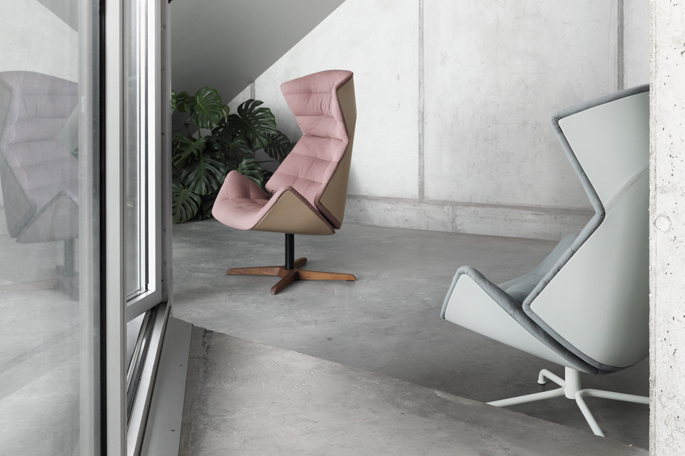 Lounge Chair 808