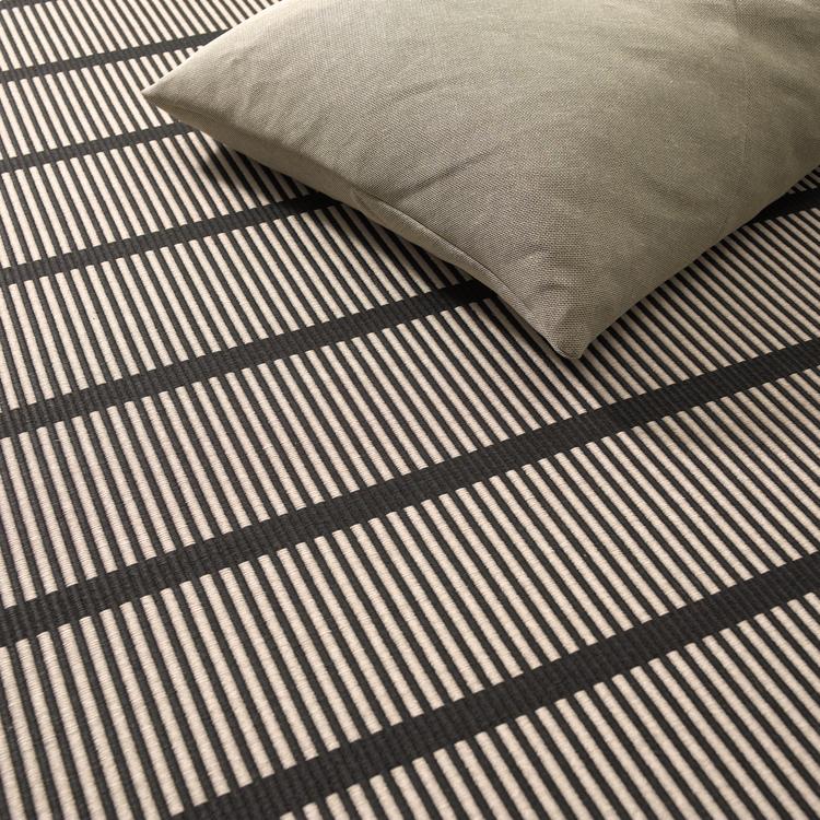 Cut Stripe  Black Natural