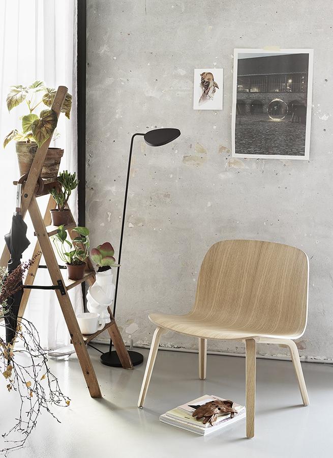 Visu Wide Lounge Chair in Wood