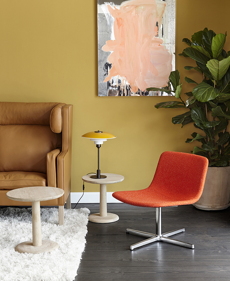 Pato Lounge Chair with Swivel Base