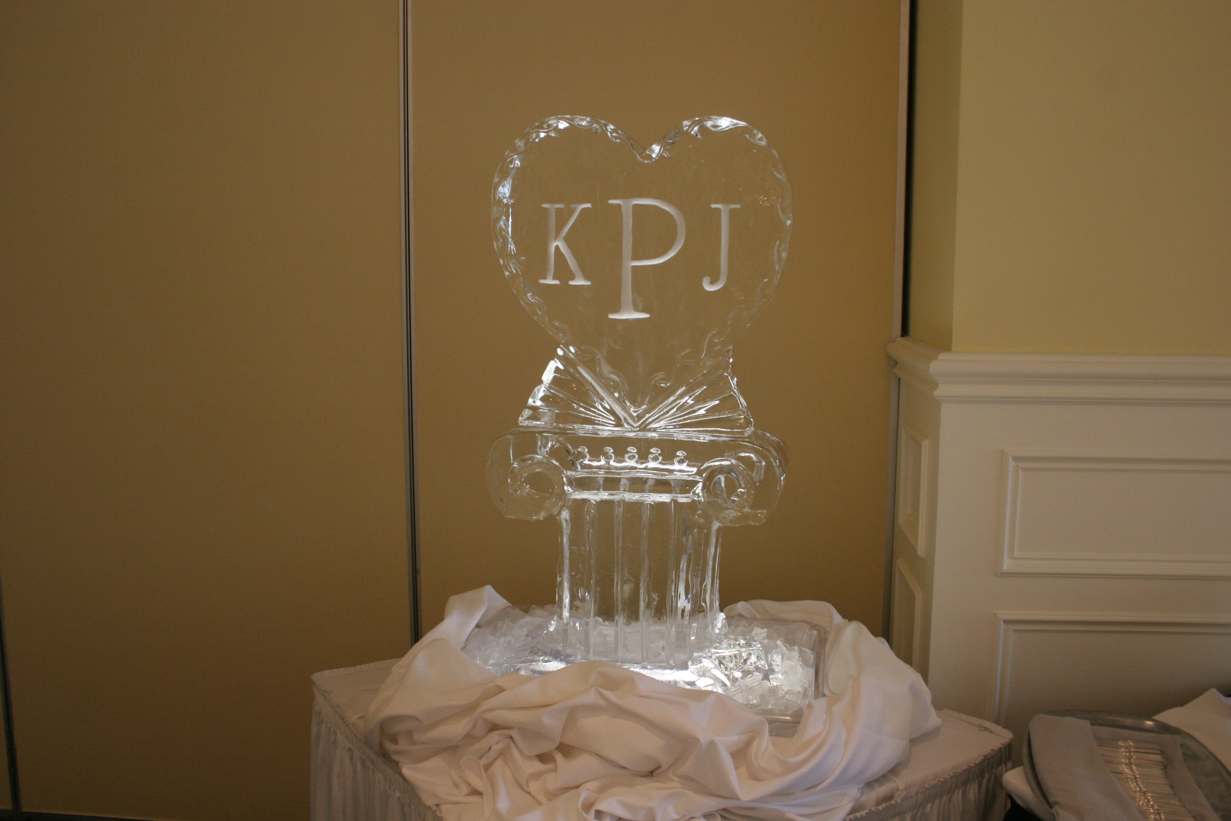 Ice_Sculpture_Monogram_1.JPG