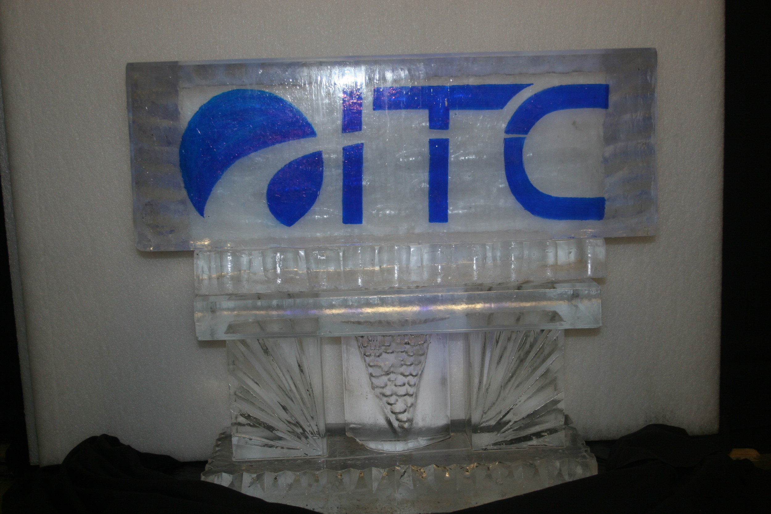 Ice_Sculpture_ITC _Logo.JPG