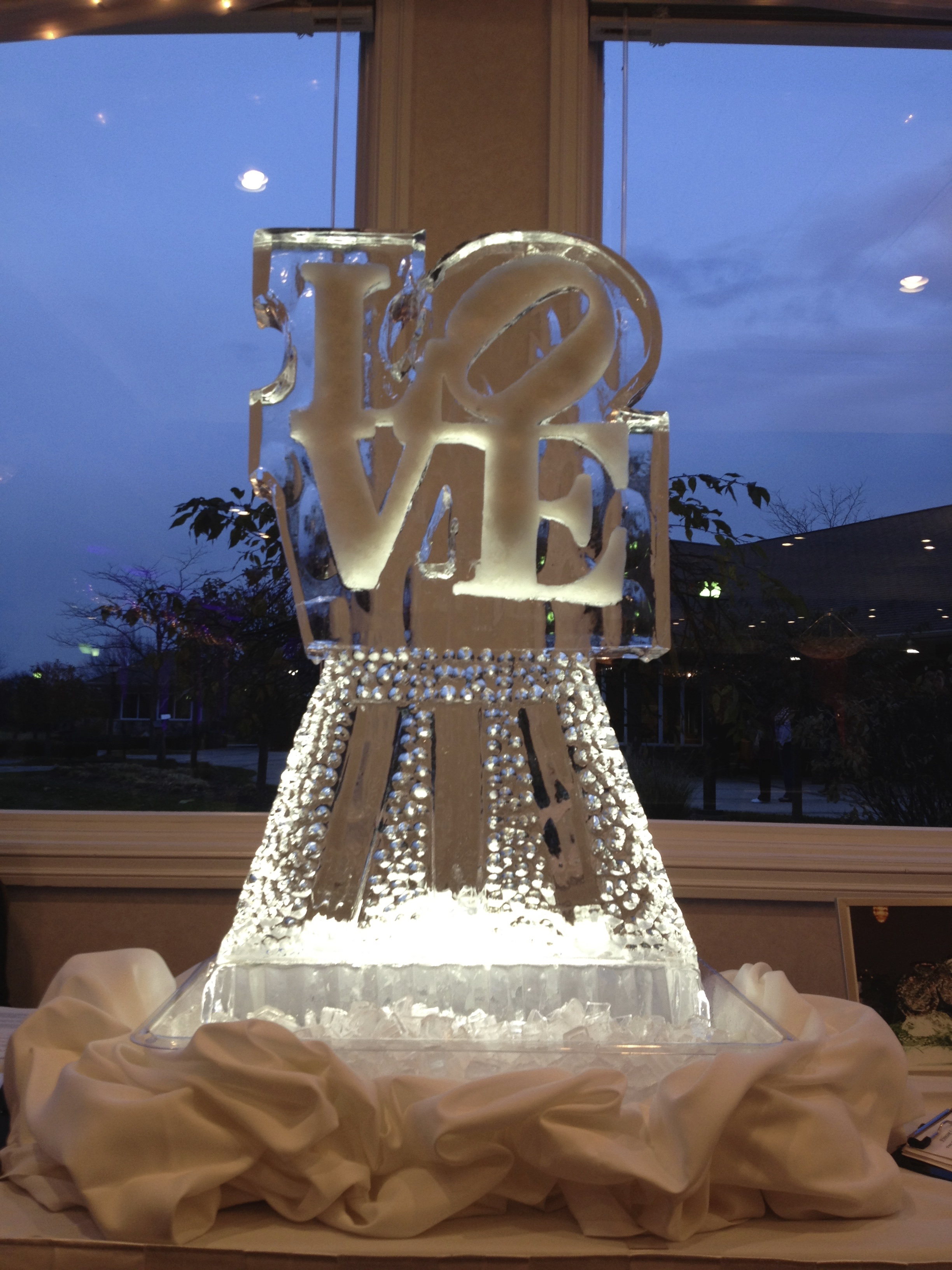 Ice Sculpture_Love.jpg