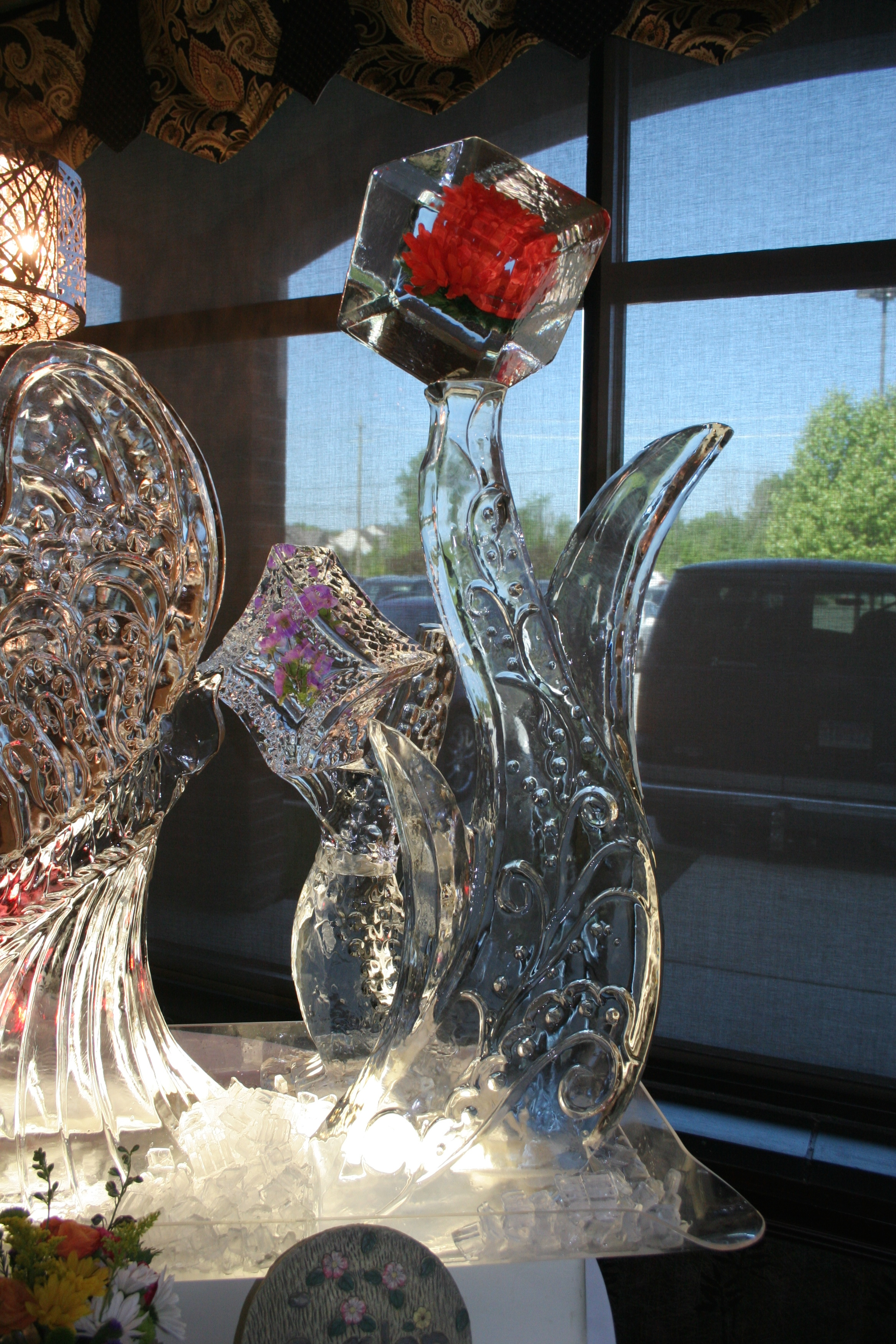 Ice Sculpture_Wedding_ Spring Flowers.jpg
