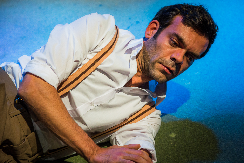 Los Columpios (The Swings) - Written by Roger Simeon Directed by Julián J. Mesri 0002.jpg