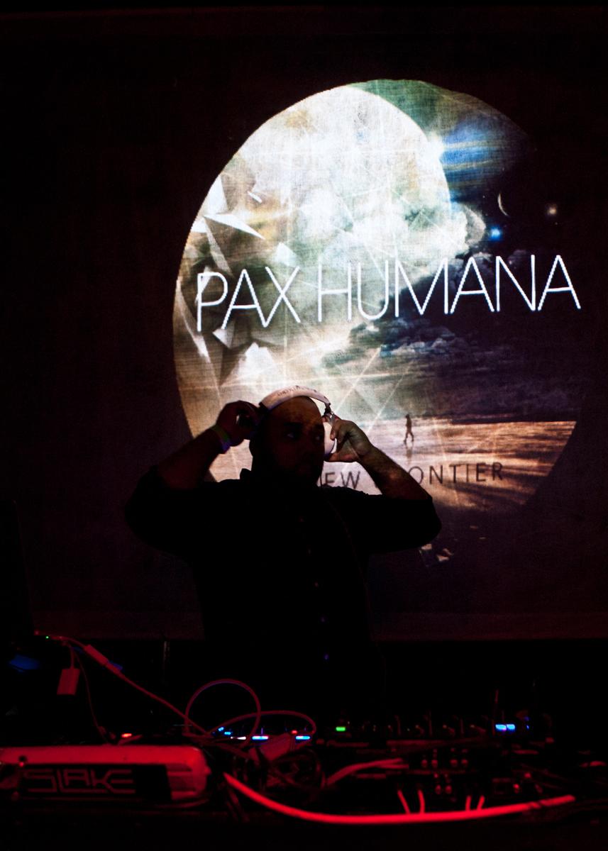 PaxHumana_SLAKE_0060.jpg