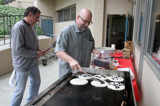 serving-pancakes.jpg