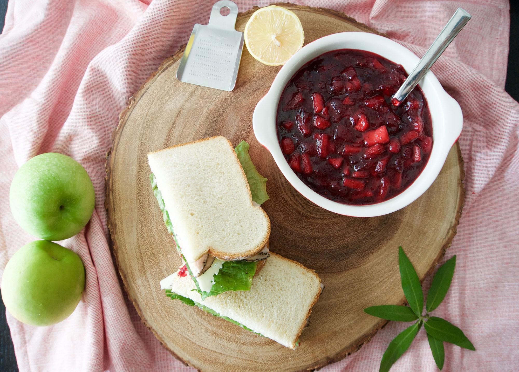 Cranberry Apple Sauce || Haute in Paradise || @hauteinparadise
