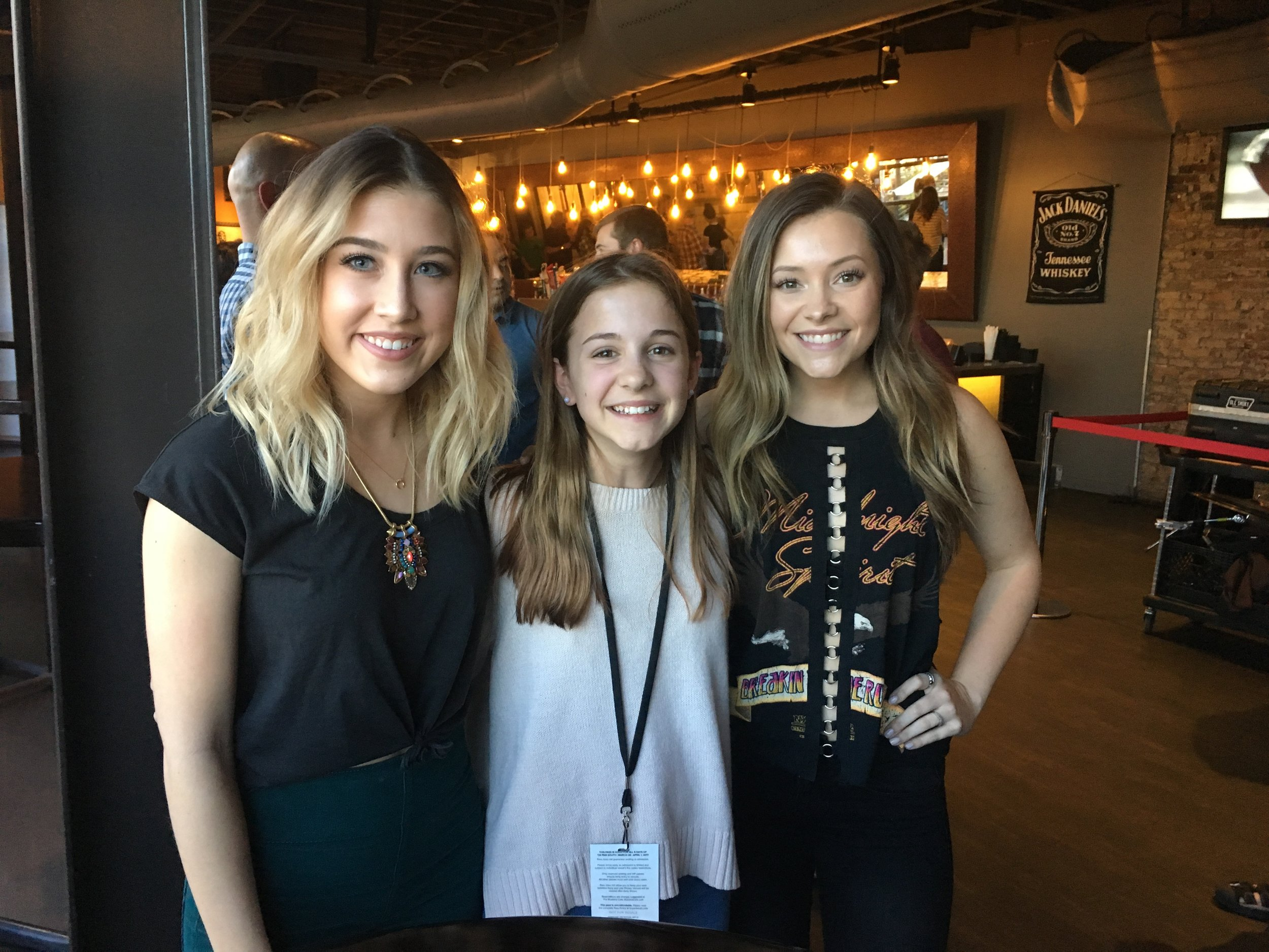 YES it is Maddie and Tae!