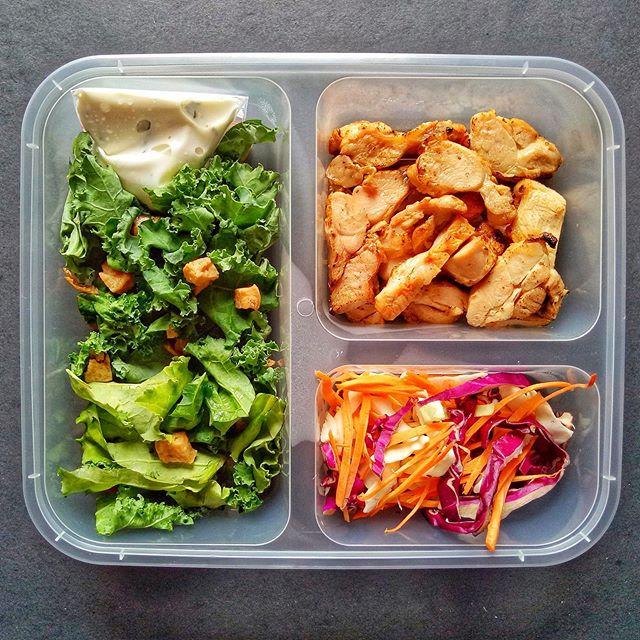 Kale & Cos Snow Patrol Salad with Grilled Chicken, Shaved Parmesan & Crispy Tofu. . . . •••#3SkinnyMinnies••• #3skinnyminnies #healthycateringjakarta #healthycateringjkt #healthycatering #cateringdiet #cateringjkt #cateringjakarfta #jktcatering #dietcatering #cateringbsd #cateringtangerang #cateringdiet #dietcateringjakarta #SkinnyRegularPackage #SkinnyNoSaltPackage #NoSaltMeal #CateringNoSalt  #TanpaGaram #cateringtanpagaram