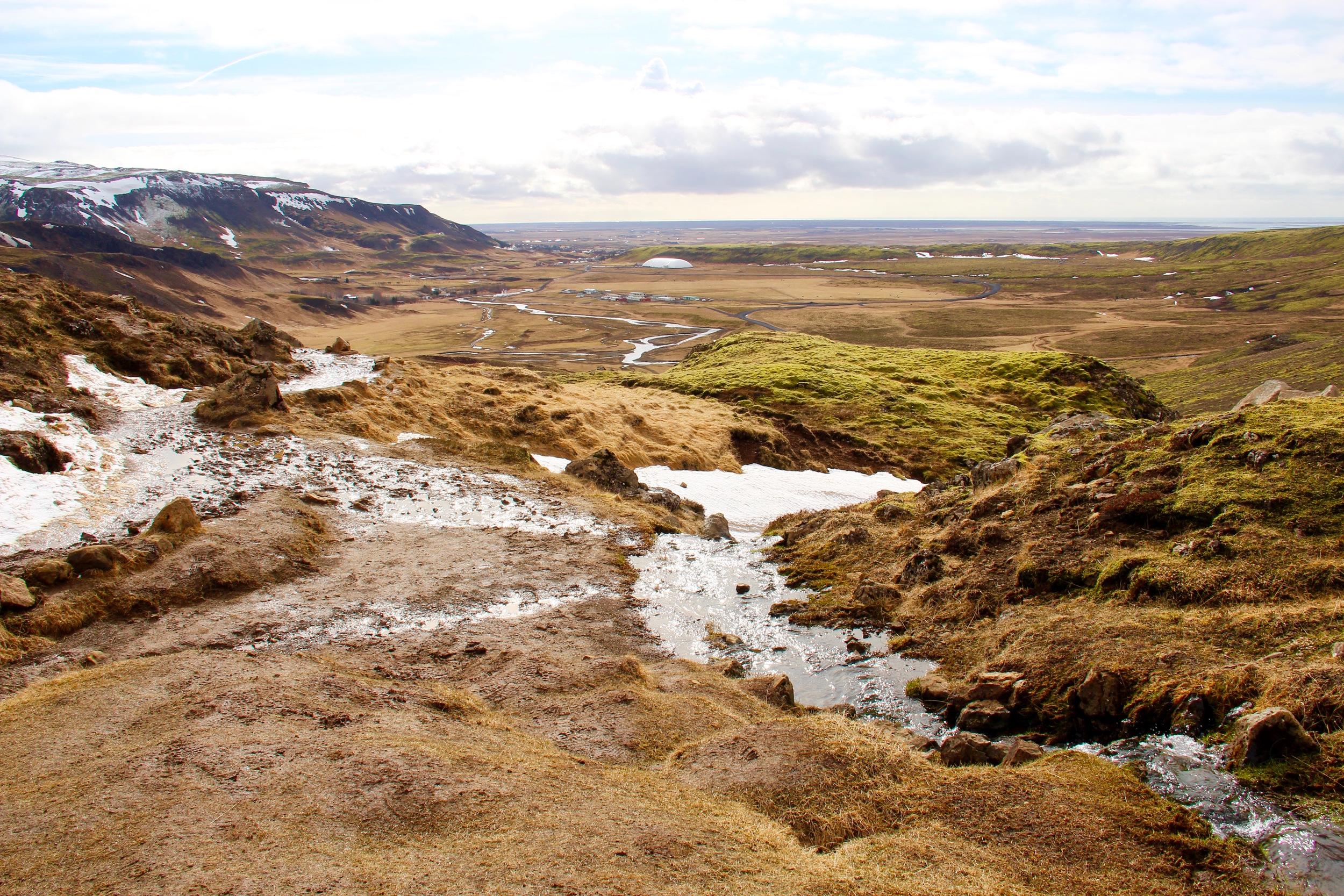Reykjadalur-hot-springs-view