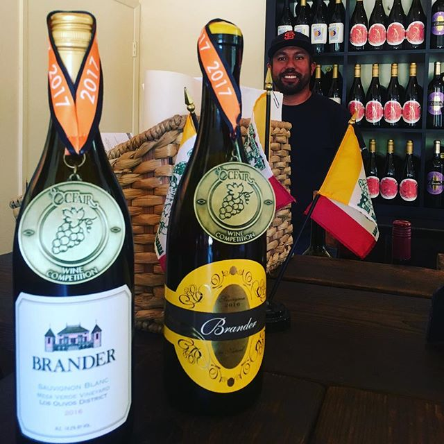 Congratulations to @brandervineyard and #winemaker #Fabianbravo #occountyfair #goldmedal #sauvignonblanc #wineboss #aunatual #seesb #wino#winery #rootedvinetours