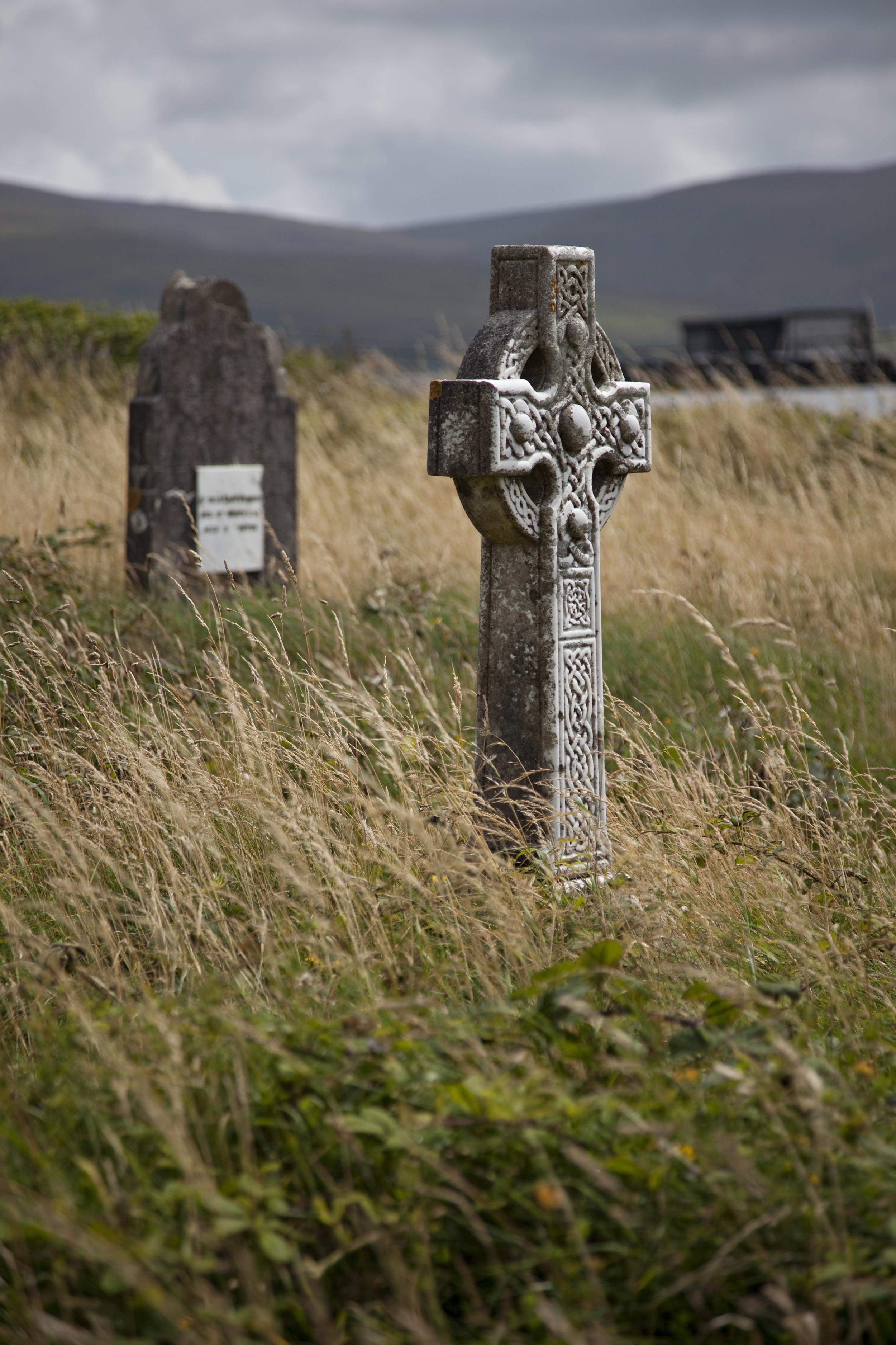 irish-graveyard_3769830179_o.jpg