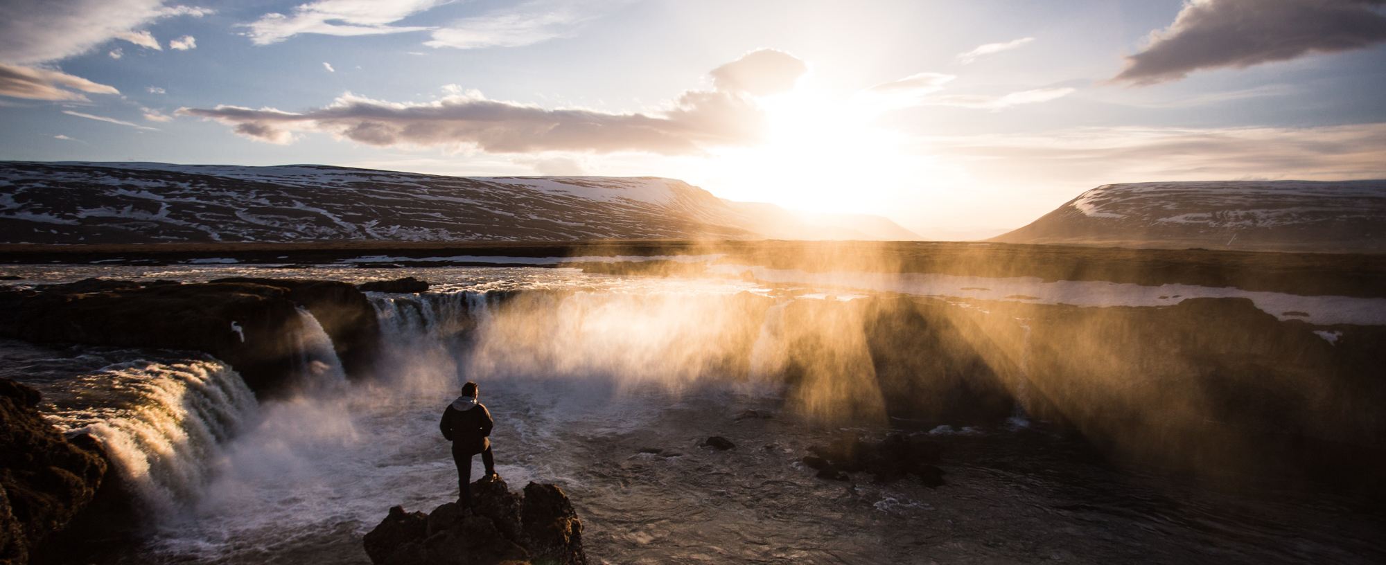 23. John Dale, Goðafoss.jpg