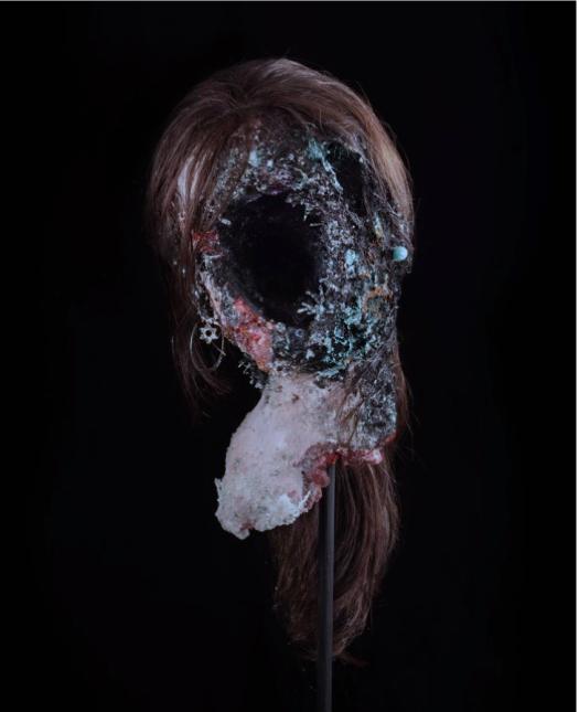 Sarah Altmejd, 2003, photographie de Lance Brewer©David Altmejd, courtoisie d'Andrea Rosen, Gallery, New YorK