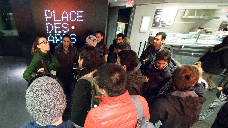 Les doctorants de l'École Polytechnique de Montréal pendant leur cours déambulatoire,  Creativity, Yes you can  animé par Sylvie Gendreau.