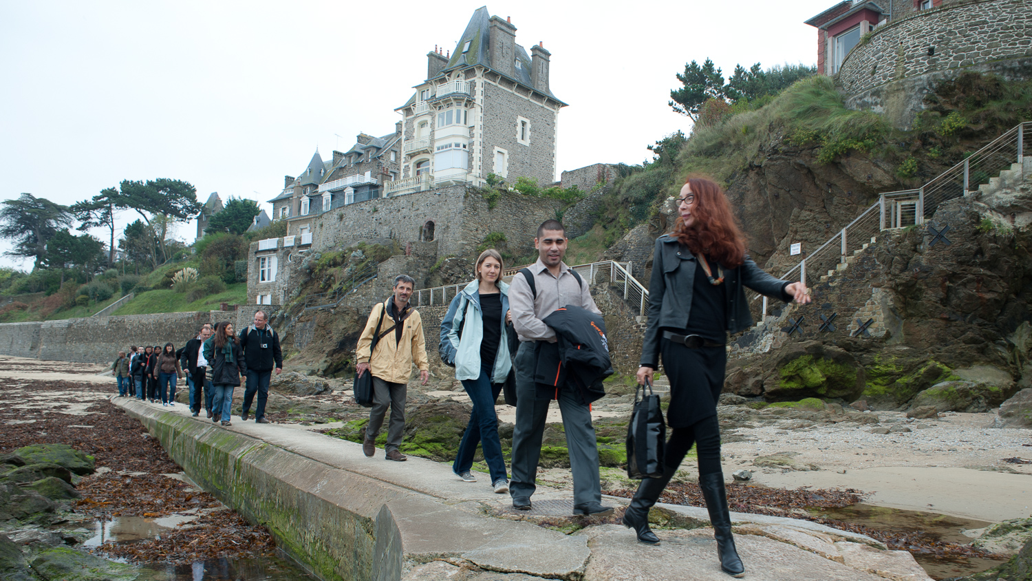 LA COHORTE DE L'EXECUTIVE MBA DE L'ESC SCHOOL OF BUSINESS À DINARD, FRANCE