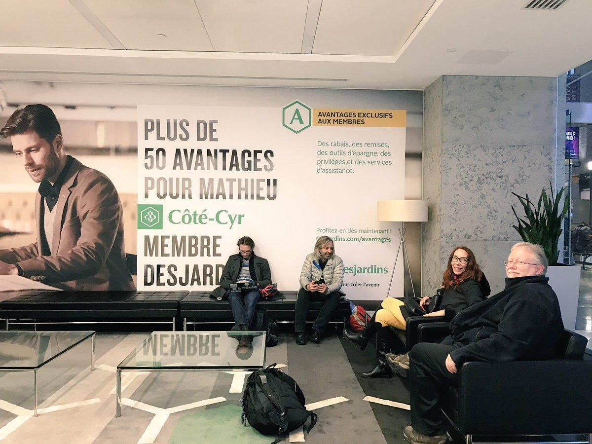 Photo : Ilias Benjelloun. Échanges sur le projet #IdentityTech Paul Cuciureanu, David Rowley, Sylvie Gendreau et Léo Hartman en vue du #Coopérathon16.