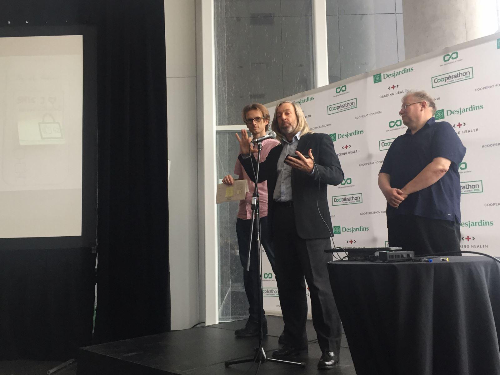 Photo : Pierre Savignac.Paul Cuciureanu, David Rowley et Léo Hartman présentant le projet #IdentityTech