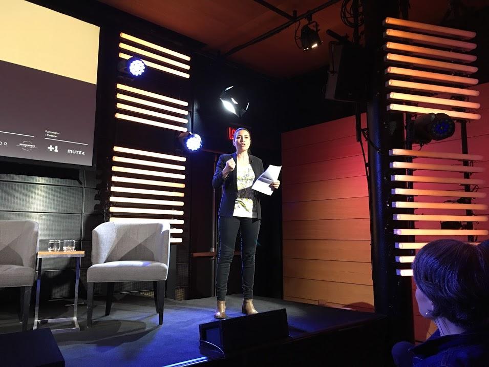 Catalina Briceño, excellente animatrice de la journée.   Les storytellers de demain au Centre PHI   par Sylvie Gendreau, Votre laboratoire créatif.
