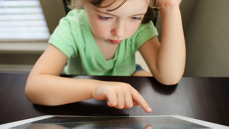 Photo : Hal Gatewood   Avec la sur-utilisation des technologies numériques, les muscles de la main s'en trouvent atrophiés et la dextérité des enfants en pâtit.