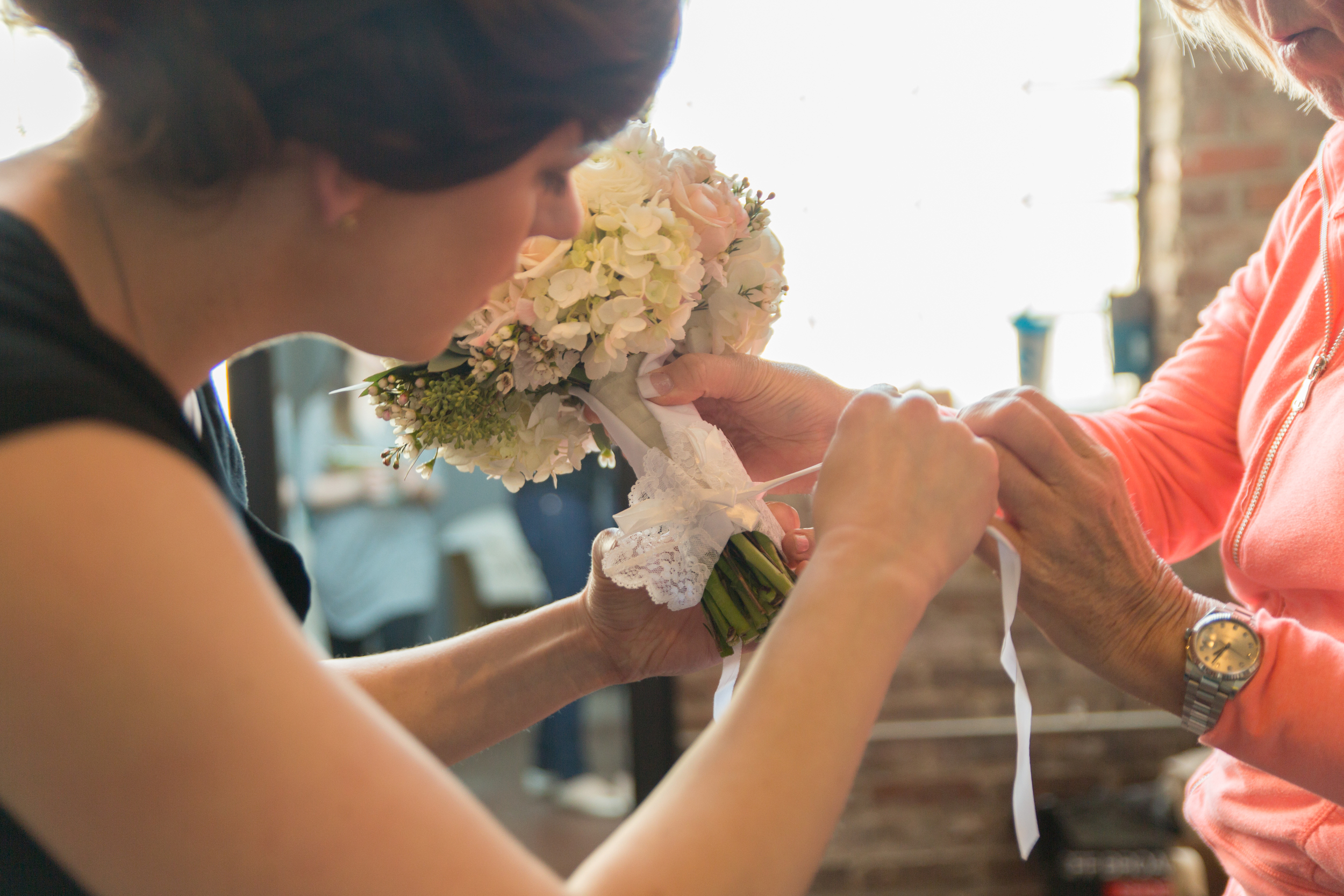 TYING A FAMILY HEIRLOOM TO THE BOUQUET