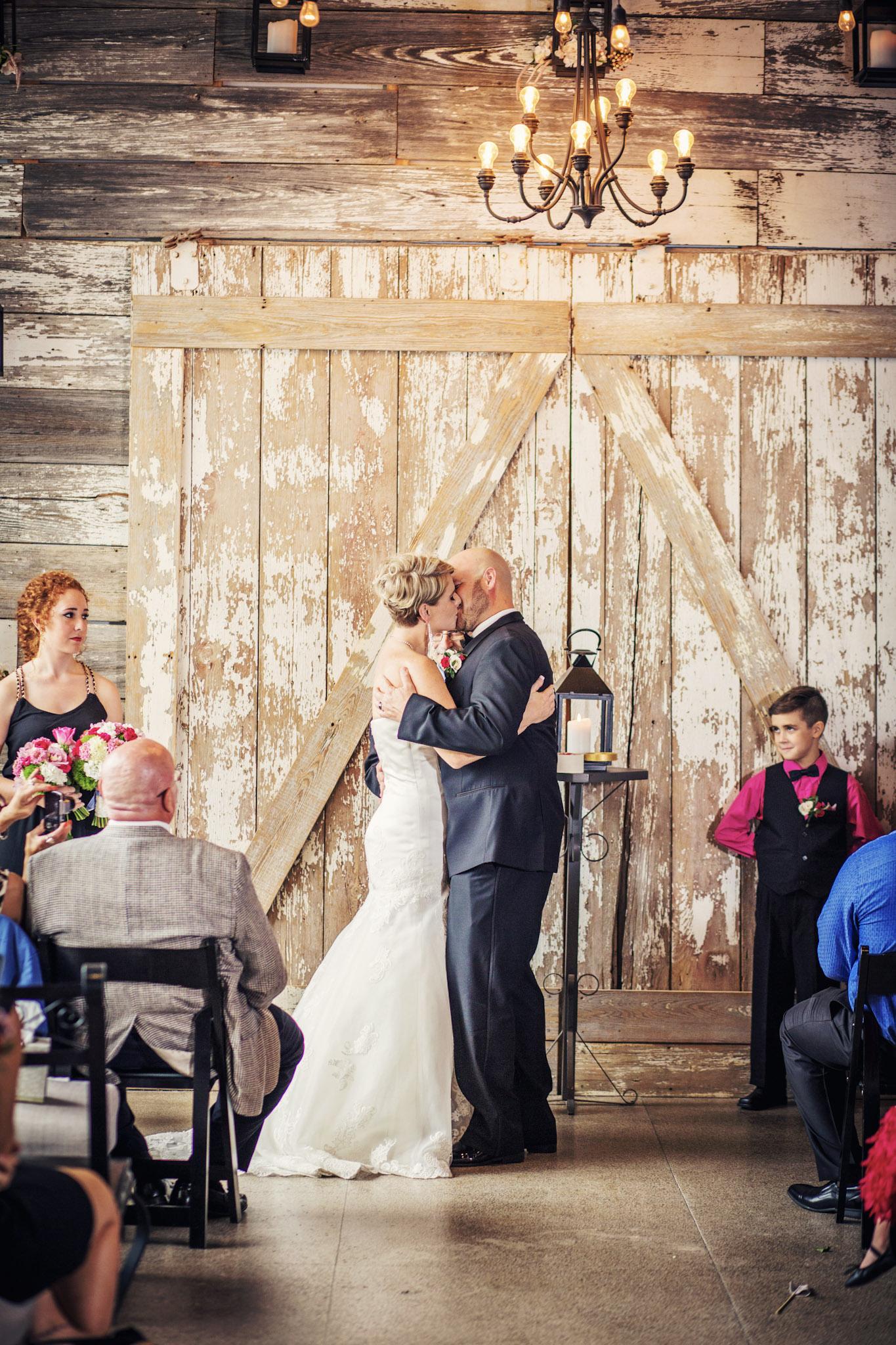 Kansas+City-Small+Wedding-Elope_Intimate_Ceremony_Melanie+David-8.jpg