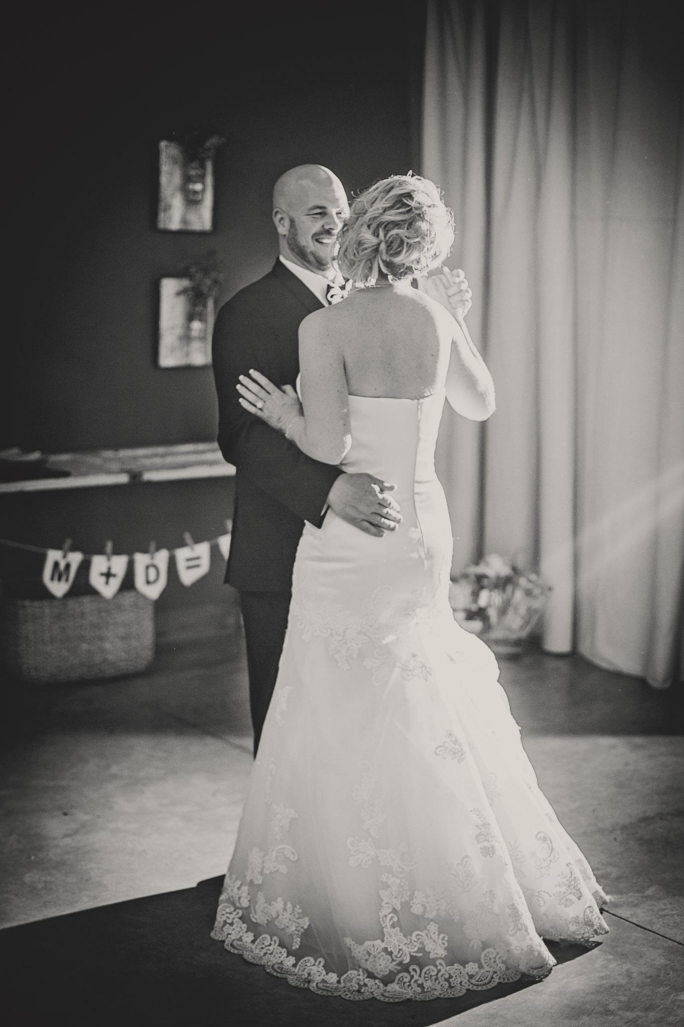 Kansas+City-Small+Wedding-Elope_Intimate_Ceremony_Melanie+David-27.jpg