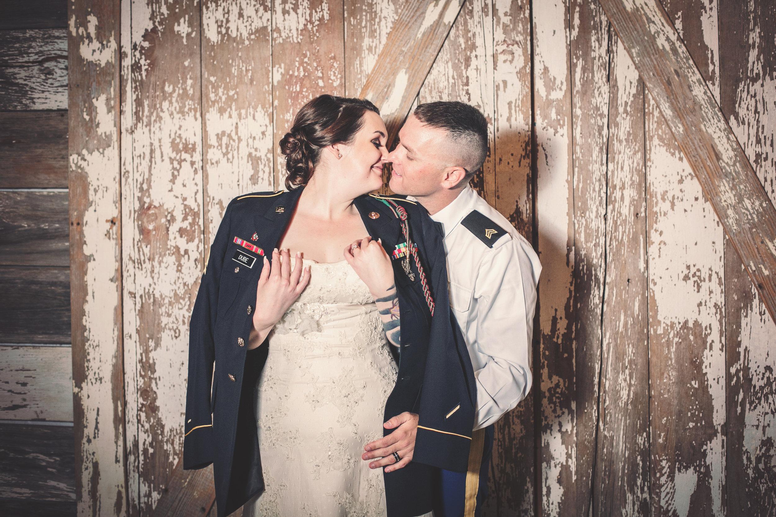 Kansas+City-Small+Wedding_Venue_Elope_Intimate_Ceremony_Memorial+Day_6.jpg