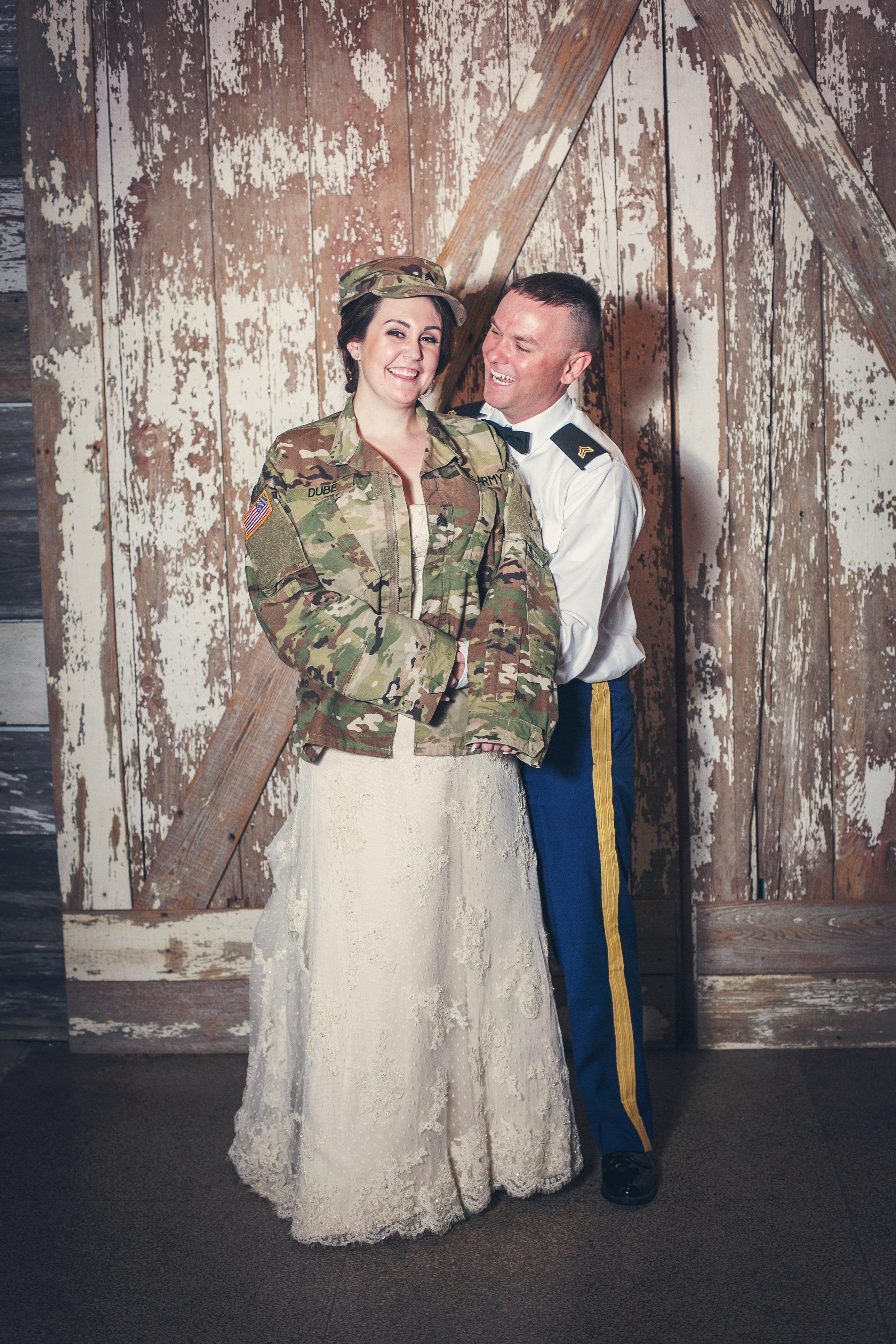 Kansas+City-Small+Wedding_Venue_Elope_Intimate_Ceremony_Memorial+Day_7.jpg
