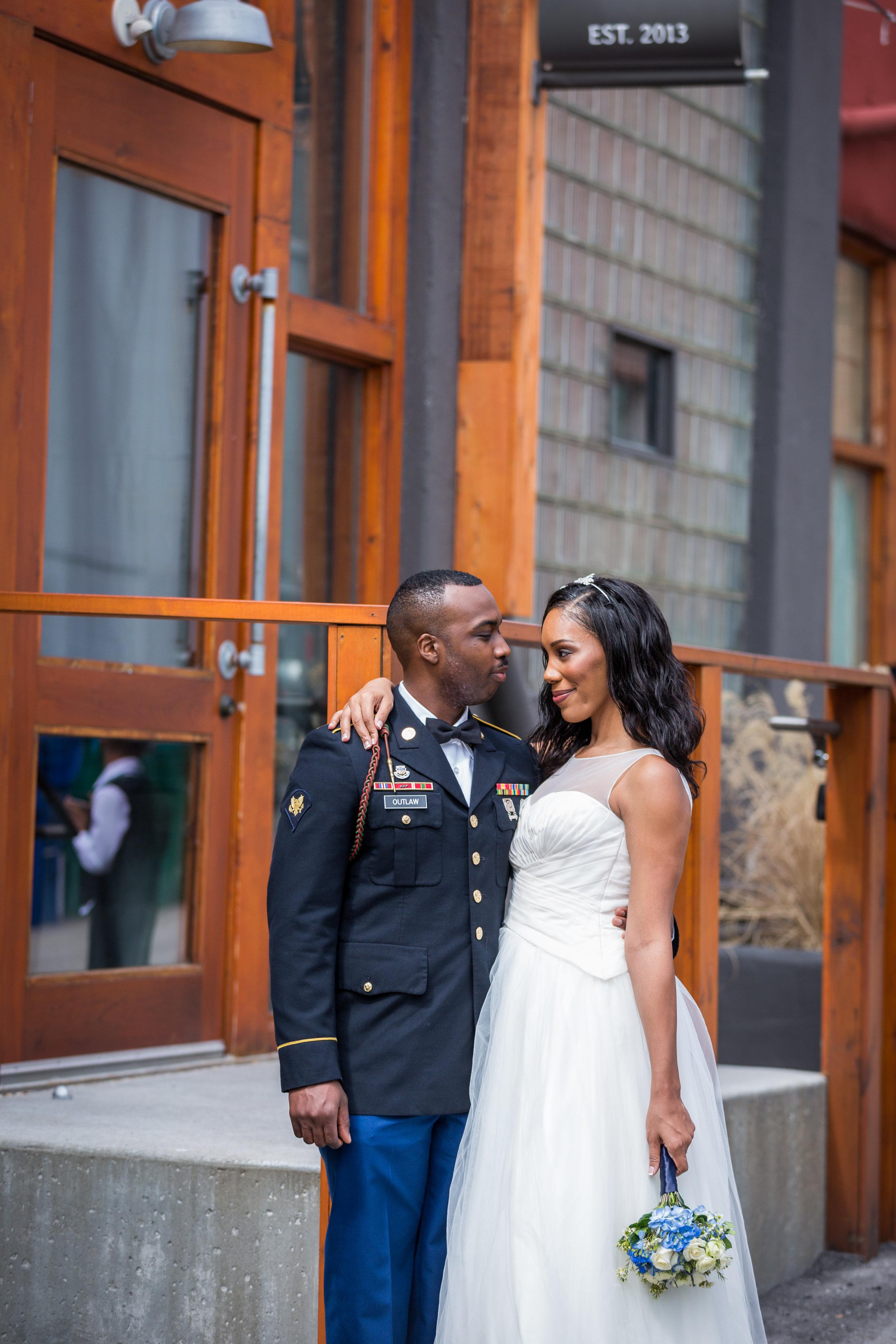 Kansas+City-Small+Wedding_Venue_Elope_Intimate_Ceremony_Memorial+Day_12.jpg