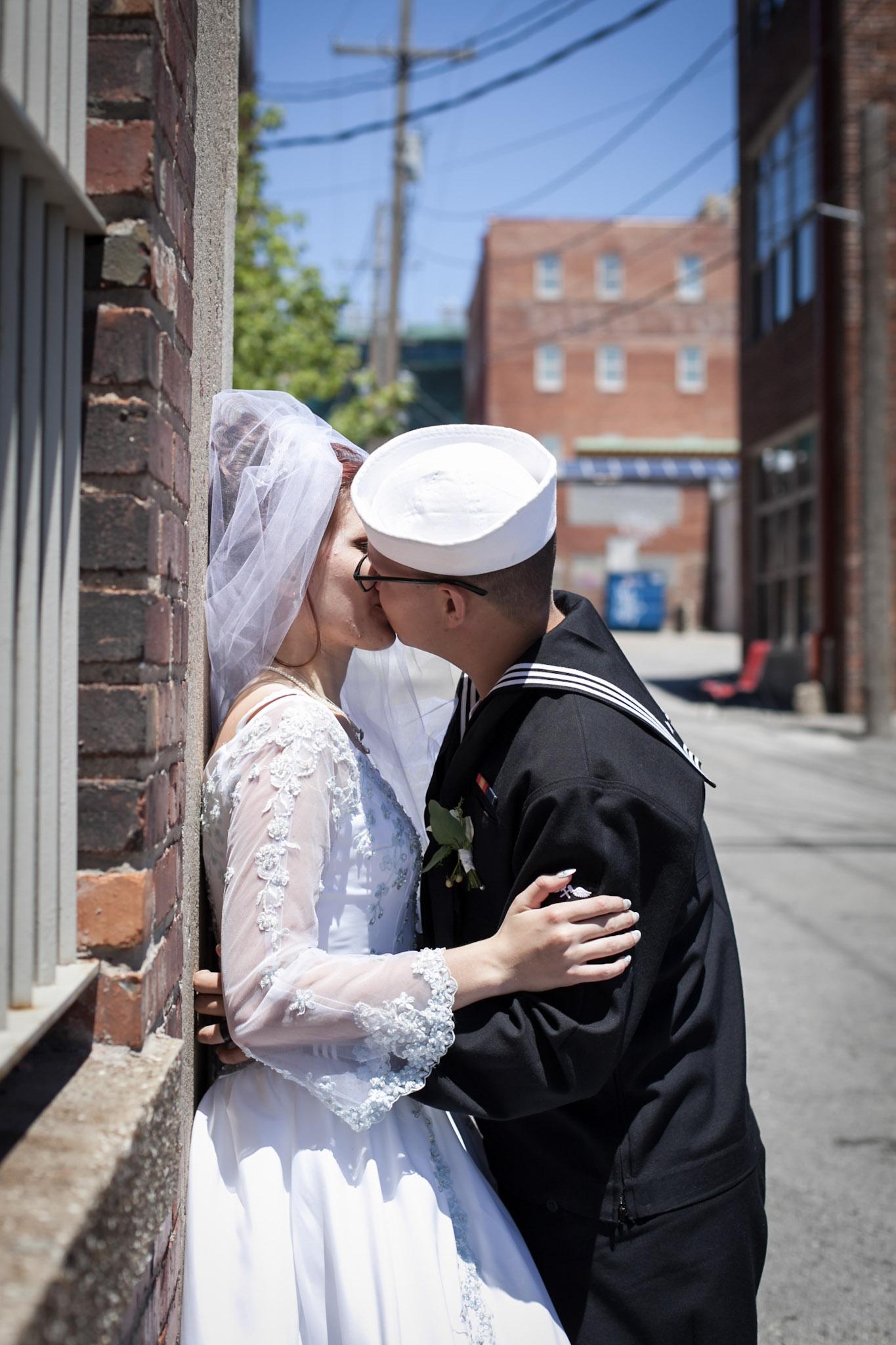 Kansas+City-Small+Wedding_Venue_Elope_Intimate_Ceremony_Memorial+Day_15.jpg