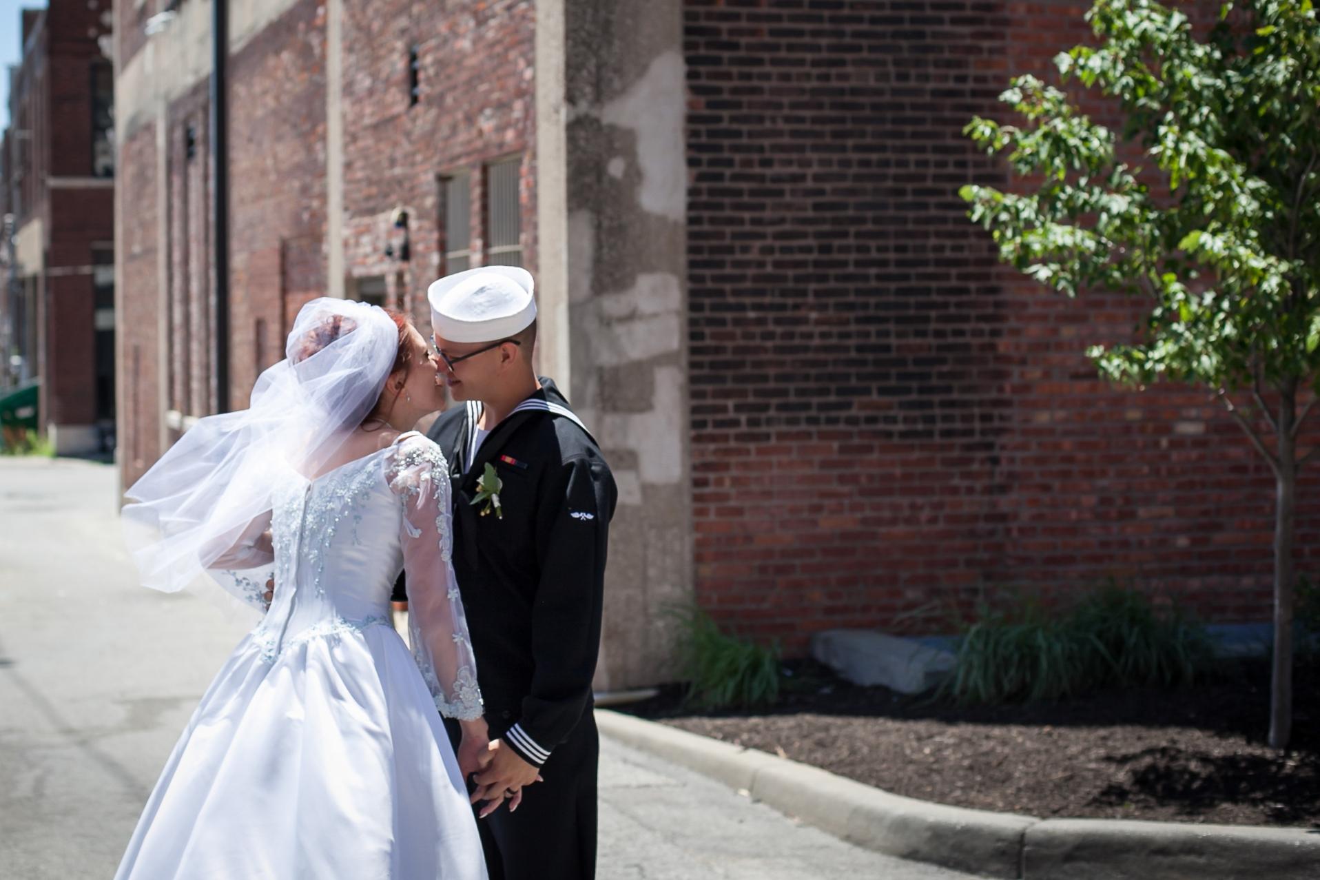 Kansas+City-Small+Wedding_Venue_Elope_Intimate_Ceremony_Memorial+Day_11.jpg
