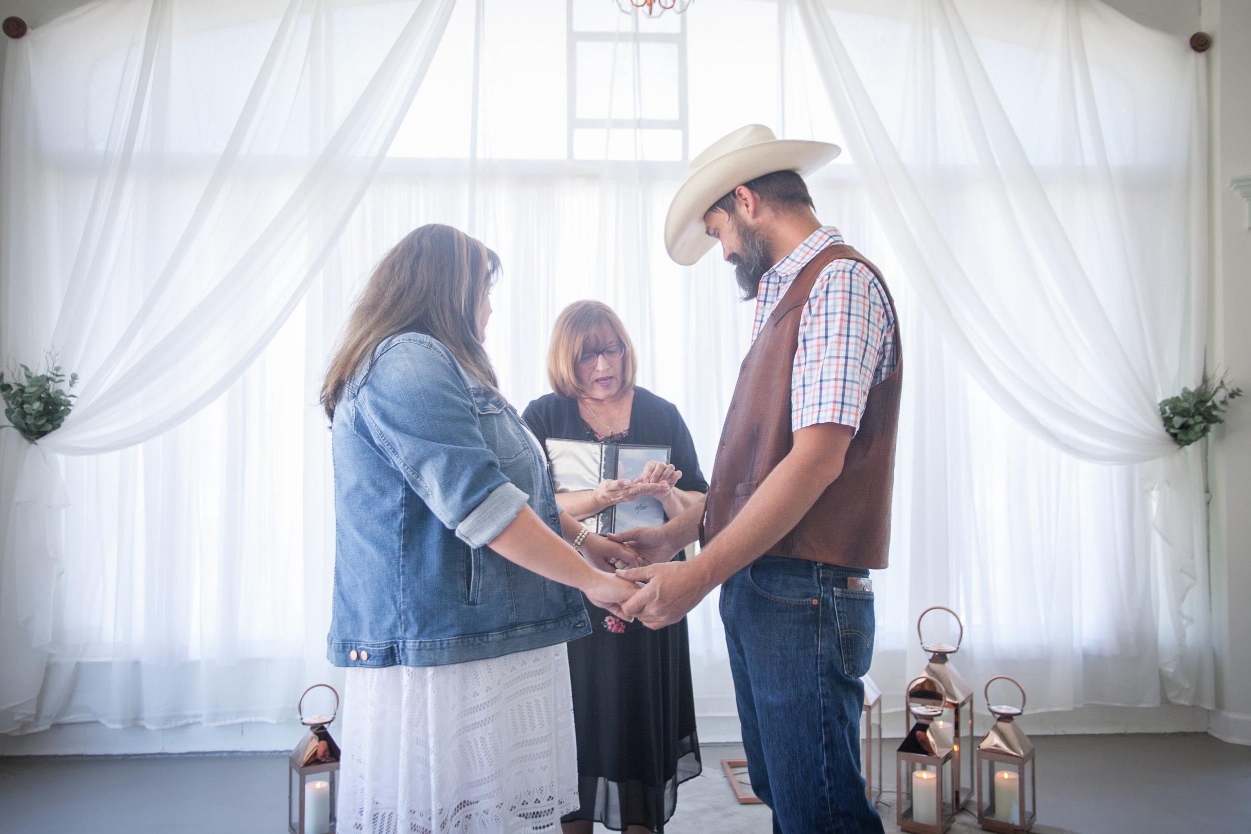 Kansas_City_Small_Wedding_Venue_Elope_Intimate_Ceremony_Budget_Affordable_Wedding Day-30.jpg