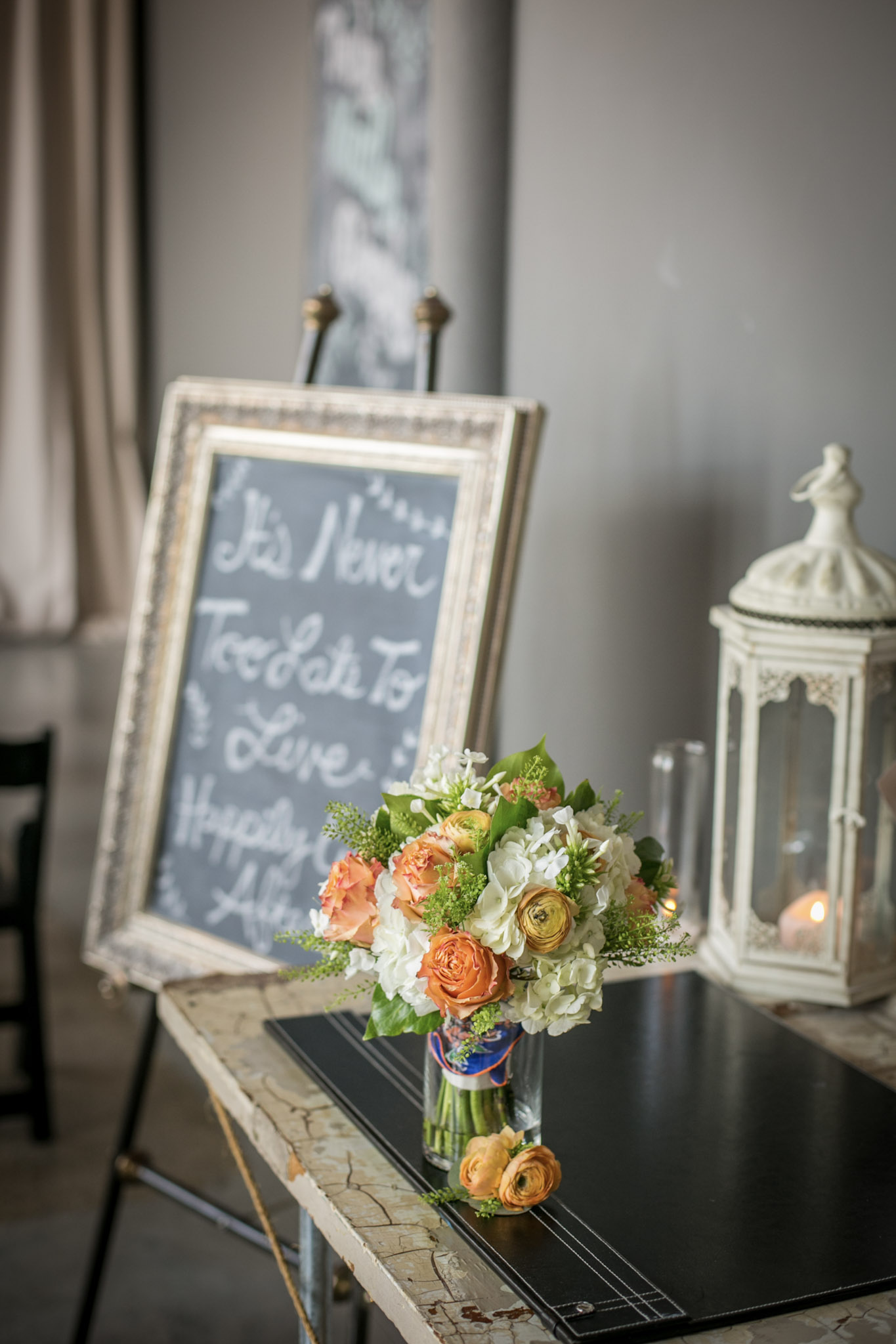 Kansas_City_Small_Wedding_Venue_Elope_Intimate_Ceremony_Budget_Affordable_Summer_Flowers_Carrie&Steve_009.jpg