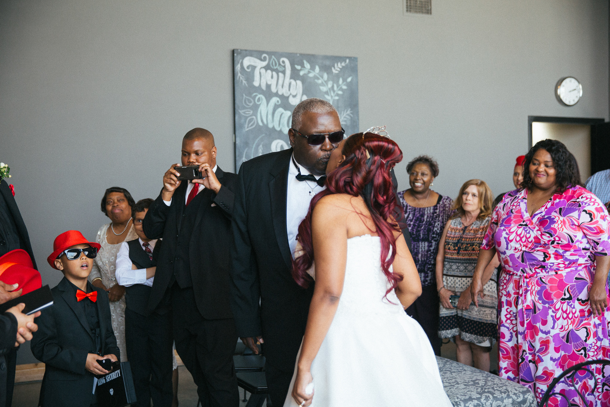 Wedding_Day_Moments_To_Do_List_IMG-103.jpg