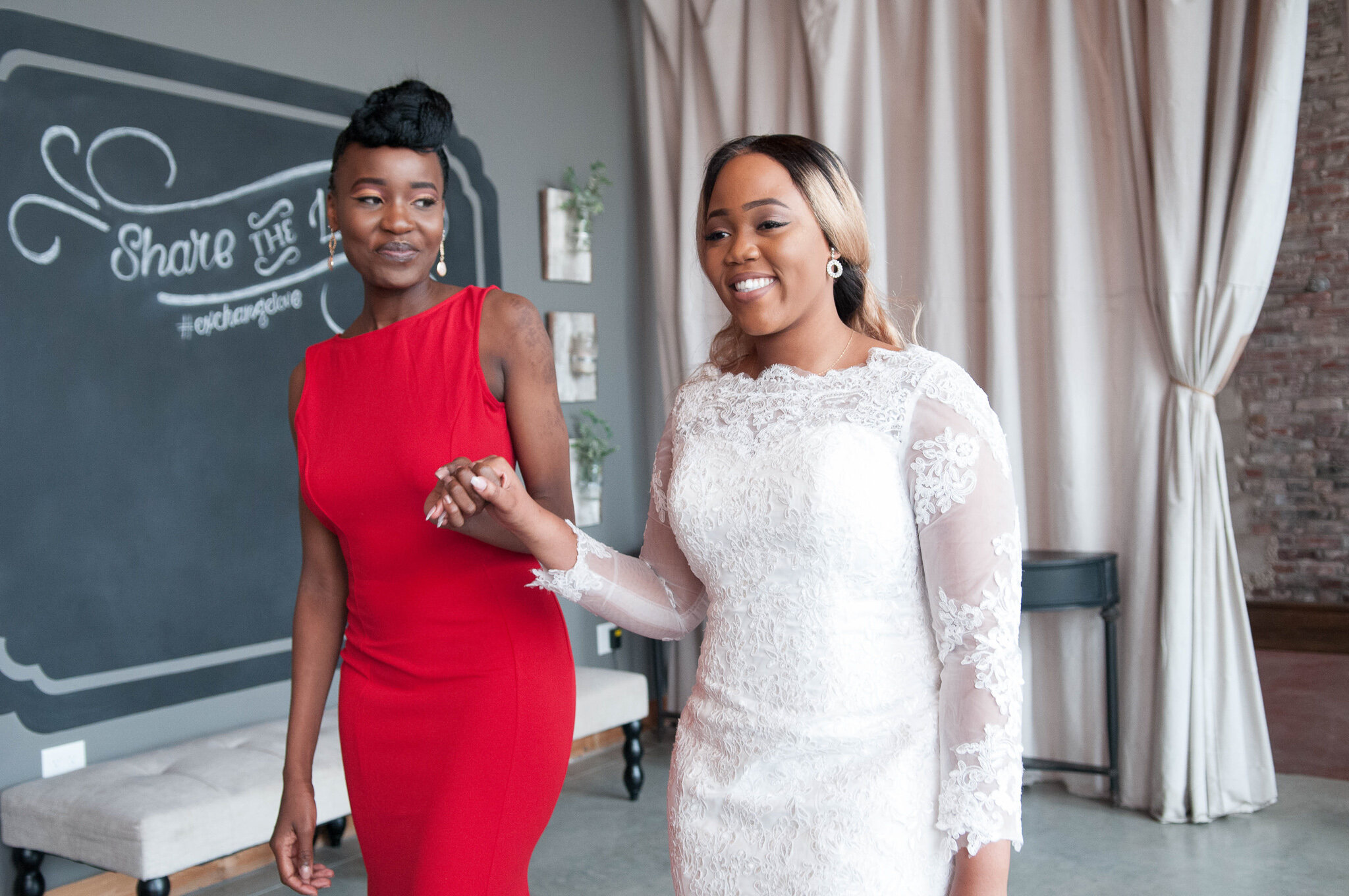 Beautiful Tatenda makes her grand entrance and walks down the aisle with her BFF holding her hand!