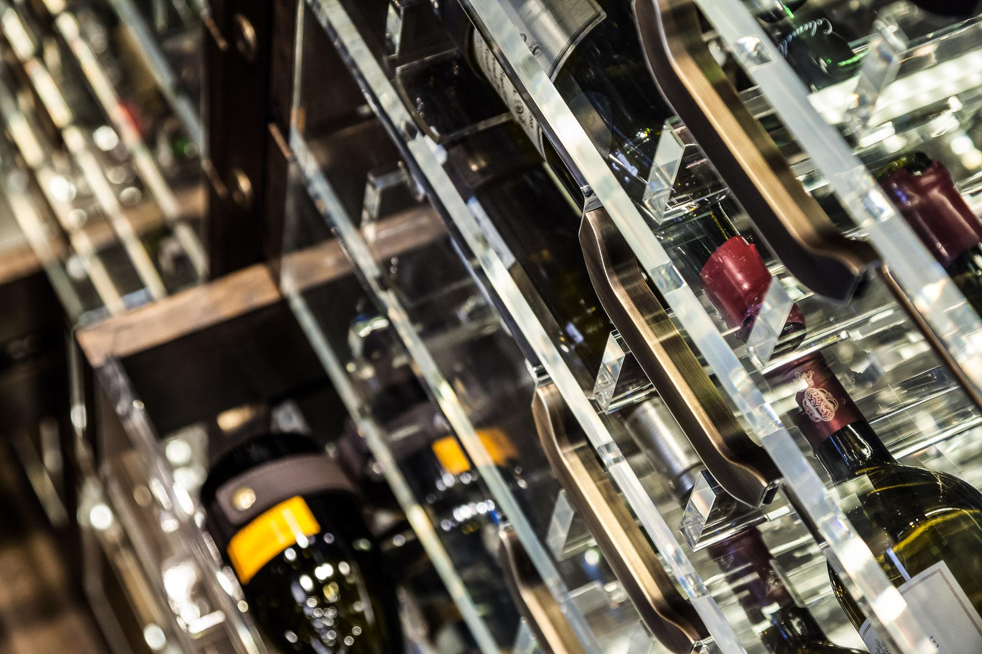 20170313_yacht_wine_cellar_0141.jpg