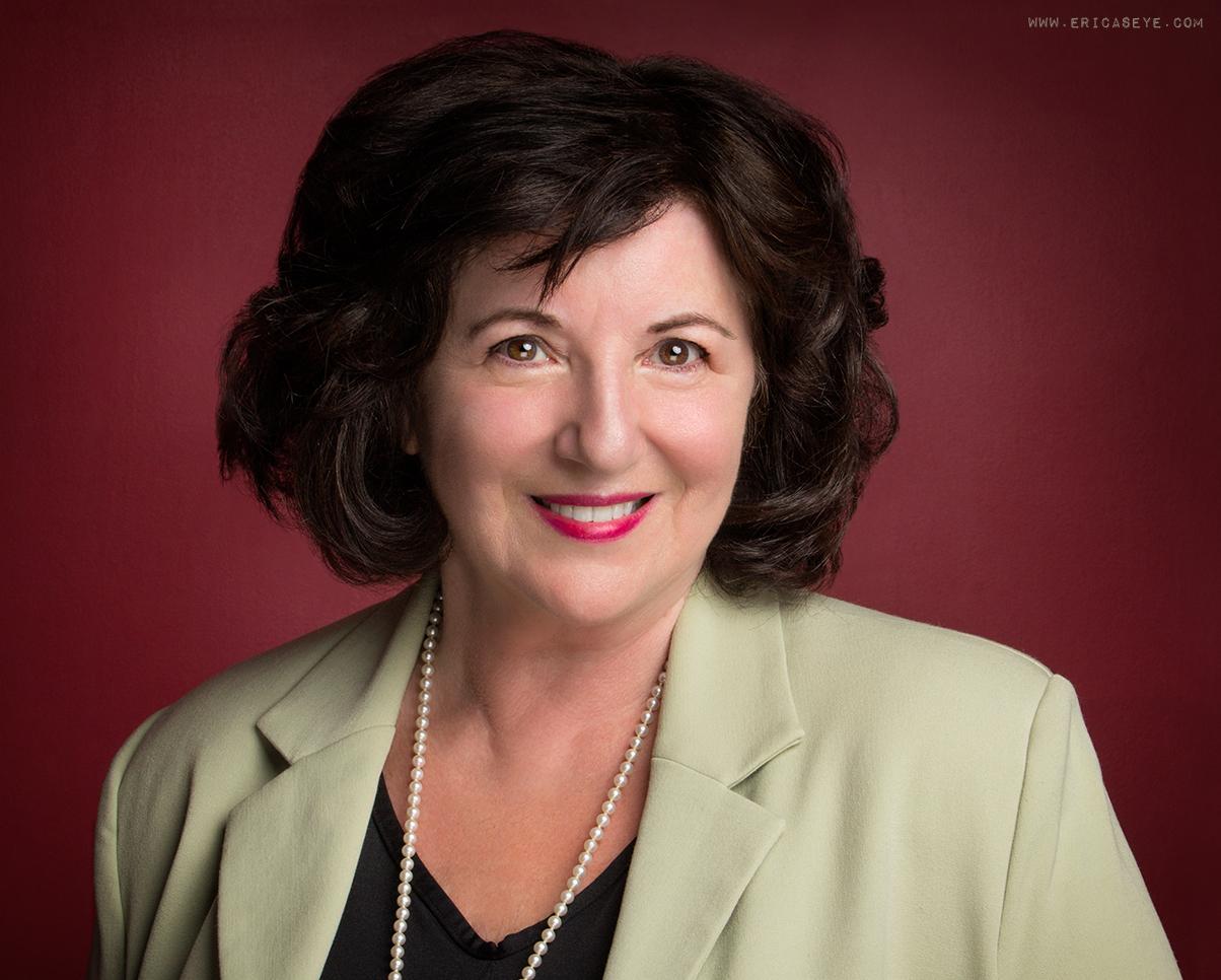 Elaine headshot 1.jpg