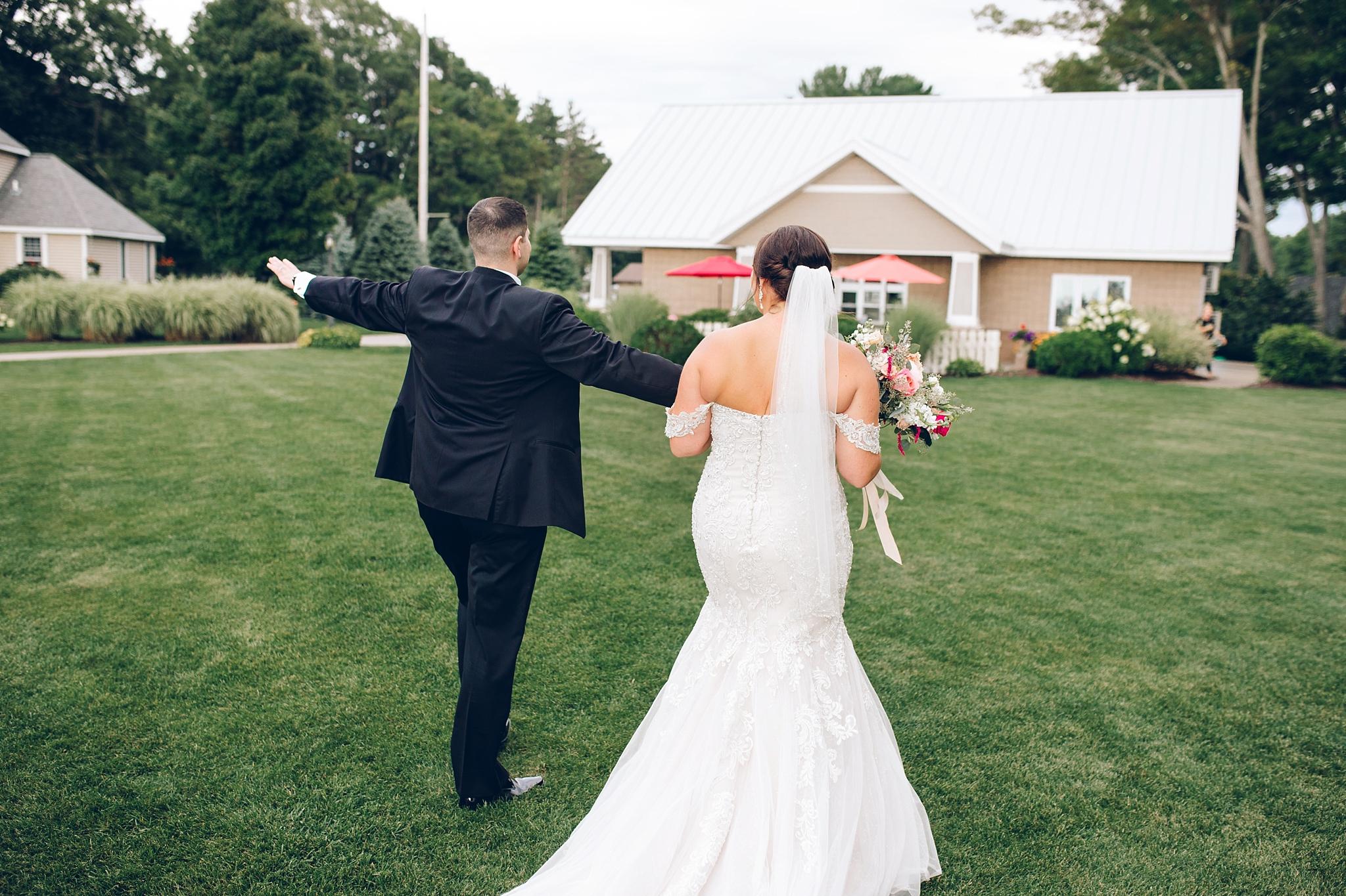 baker-lofts-holland-michigan-wedding-photographer_0362.jpg