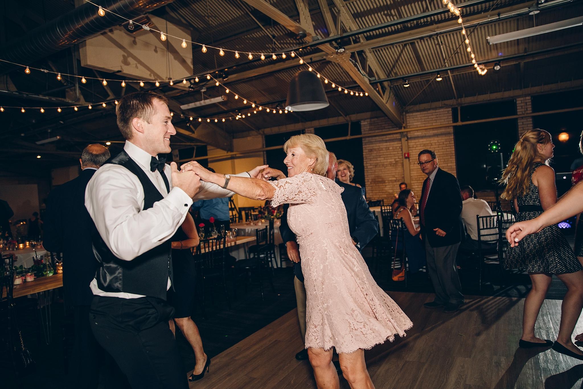baker-lofts-holland-michigan-wedding-photographer_0404.jpg