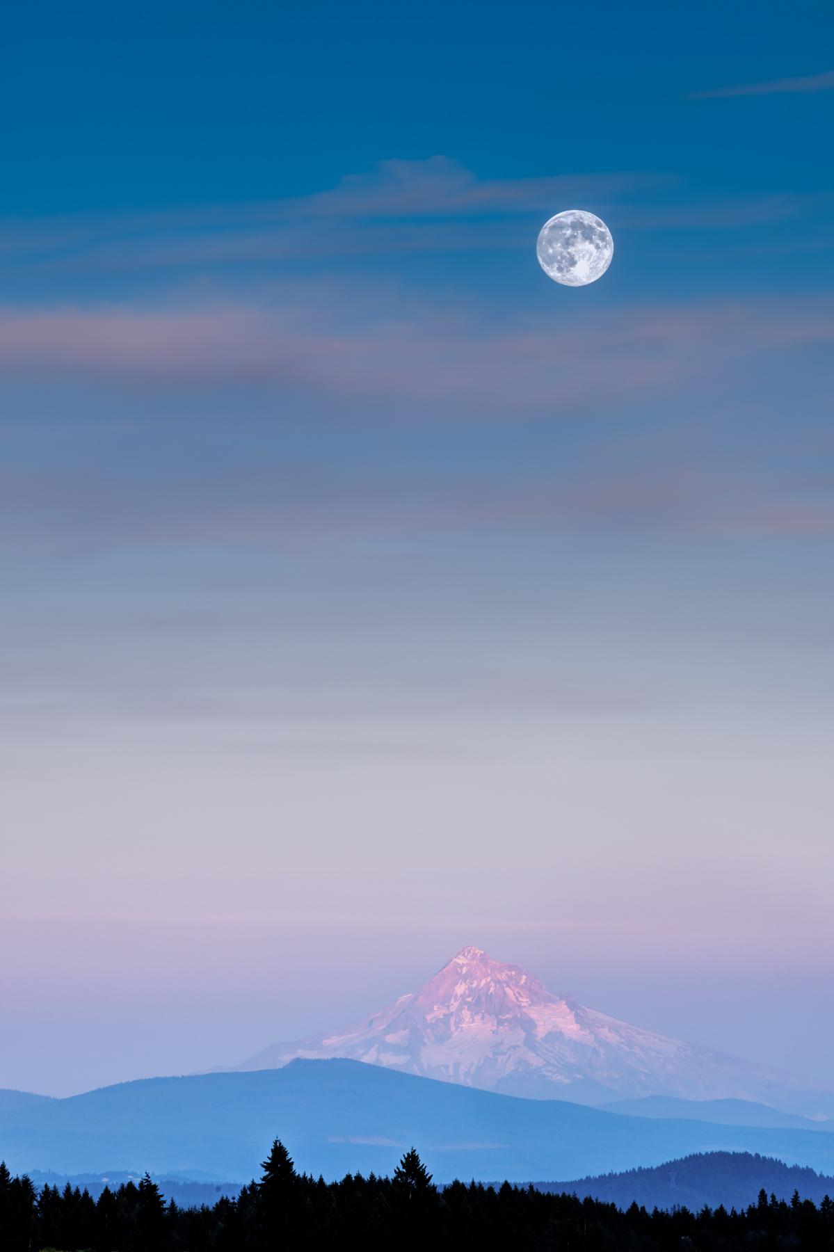 Mt. Hood Big Moon.jpg