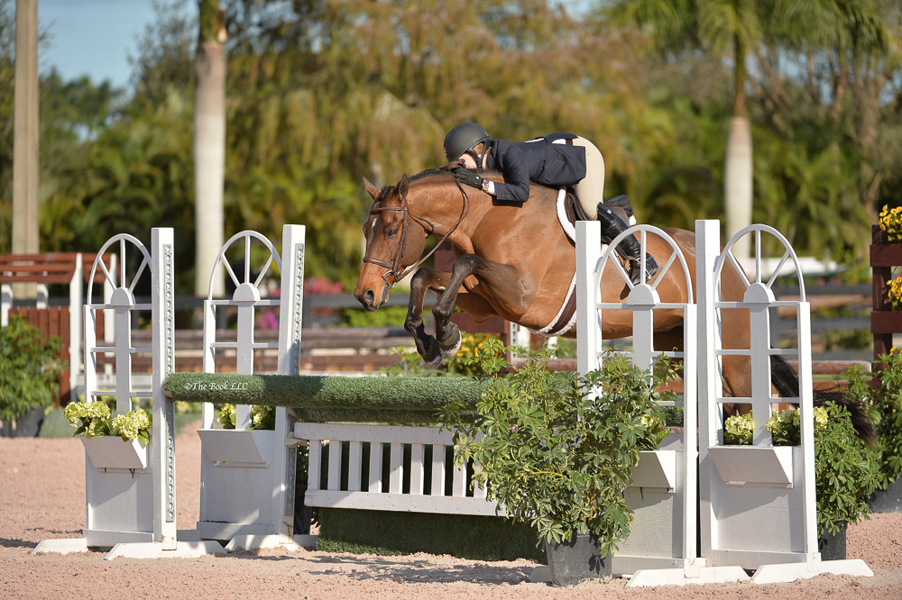 Maddy Thatcher and Early Applause - Photo courtesy of The Book LLC