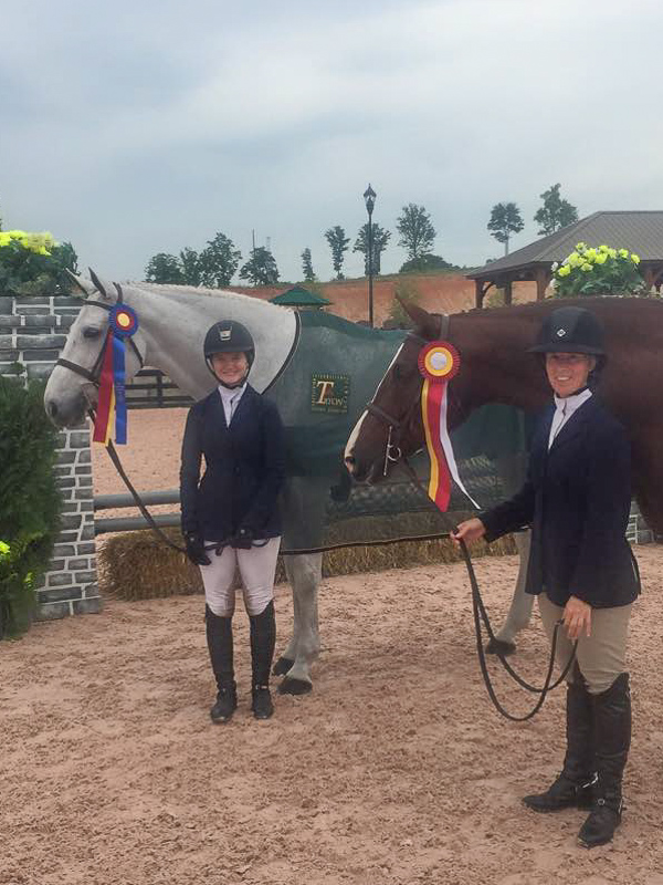 Maddy Thatcher with Summer Placeand Joann Loheac with Chestnut Avenue captured tricolor honors in the Amateur-Owner section.