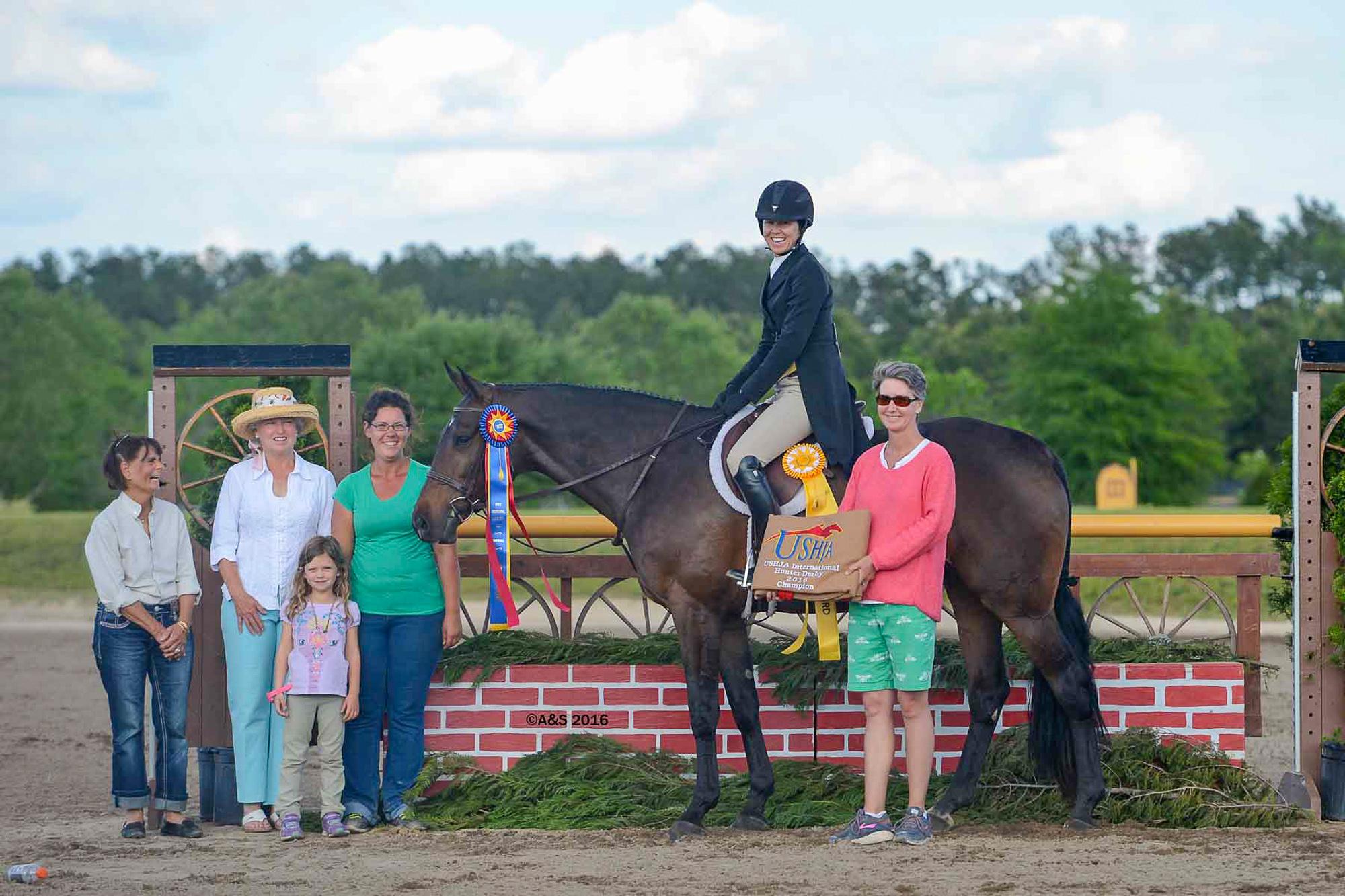 Liza Boyd celebrated her birthday with the $15,000 USHJA International Hunter Derby victory aboard Pony Lane Farm's Like I Said (A&S Photography)