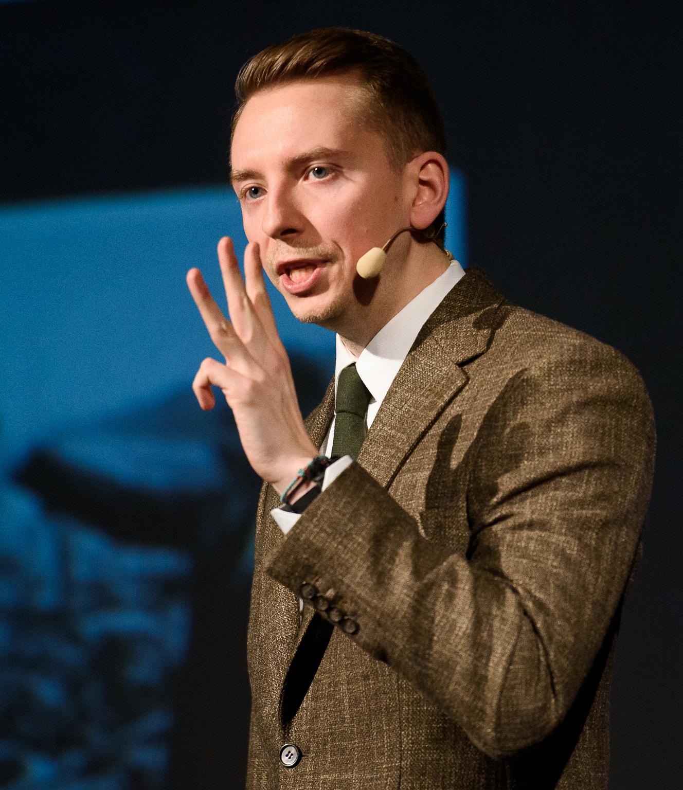 x Paul Olteanu - Public Speaking TEDx.jpg